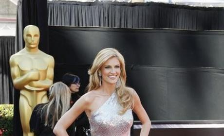 Who looked prettier at the Oscars: Erin Andrews or Maria Menounos?