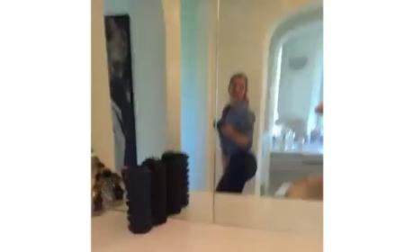 Kylie jenner Dancing Selfie