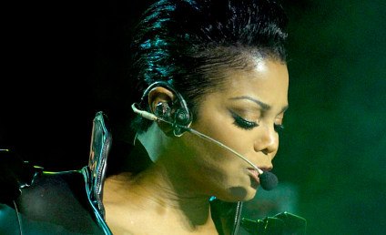 Janet Jackson Honors Brother in Concert, Rocks Out in Toronto