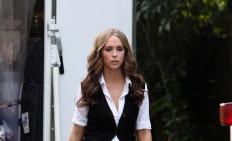 Jennifer Love Hewitt Comments on Wedding Plans