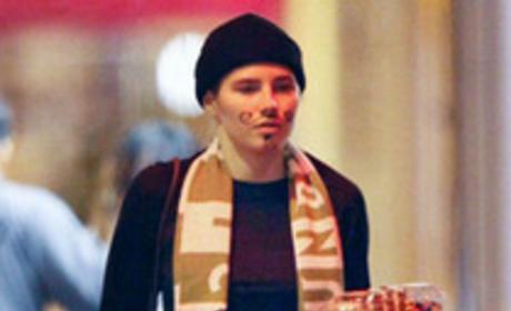 Amanda Knox cat burglar costume: Bad taste?