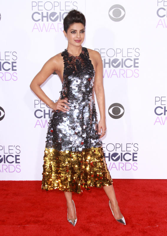 Priyanka chopra 2016 peoples choice awards