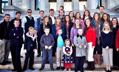 Duggar Family: VICTIMS of Bullying, Hate, Ridicule By Snobs?