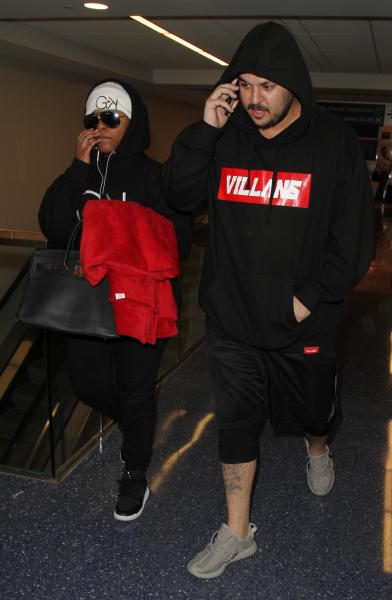Rob Kardashian and Blac Chyna Land at LAX