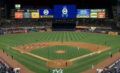 "Yankee Fans Pay Tribute to Boston Marathon Victims, Sing ""Sweet Caroline"""