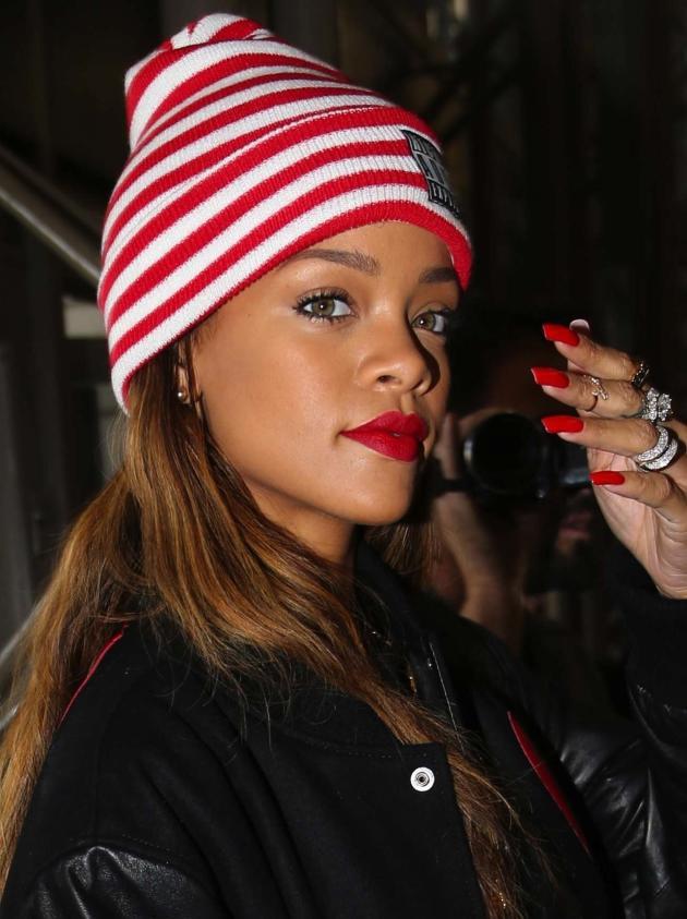 Rihanna, Hat