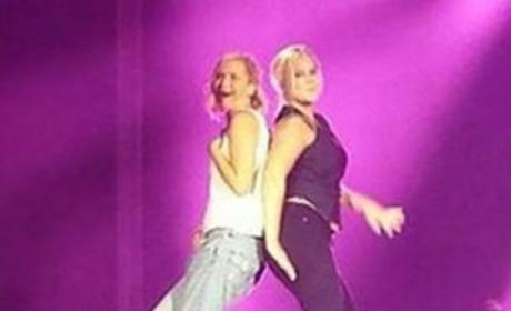 Jennifer Lawrence and Amy Schumer Dance on Billy Joel's Piano!!!