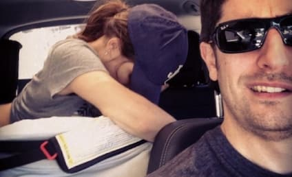 Jason Biggs Snaps Driving Selfie, Wife Breastfeeds in Backseat