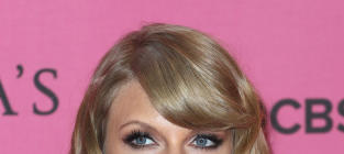 Jenny McCarthy: Taylor Swift and Ryan Seacrest Would Be PERFECT Together!