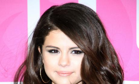 Selena Gomez Flashes Cleavage at Spring Breakers Premiere