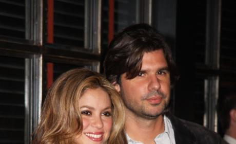 Antonio de la Rua Sues Shakira... for $250 Million!