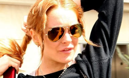Lindsay Lohan Checks Into Rehab