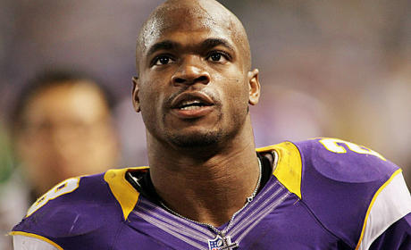 Adrian Peterson's Son Dies After Alleged Assault By Mother's Boyfriend