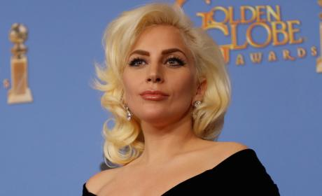 Lady Gaga to Sing National Anthem Before Super Bowl 50