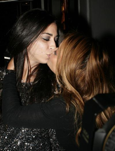 Fake Lesbians
