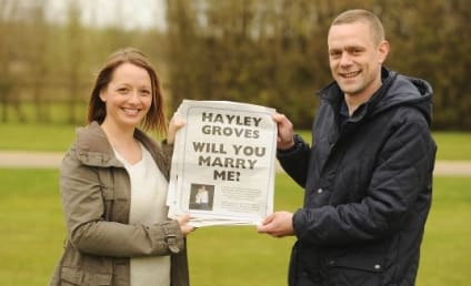 """Marriage Proposal Ad: Guy Pops Question With Full-Page Newspaper """"Story""""!"""