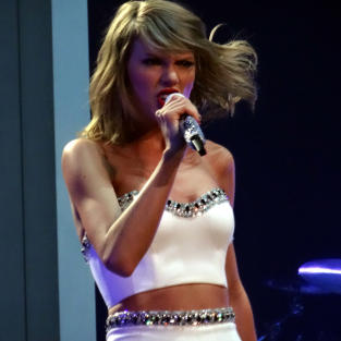 Taylor Swift on Stage in England