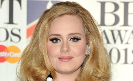Adele Faces Fine For Not Registering Baby
