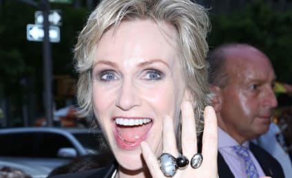 Jane Lynch Divorce: Actress Confirms Split with Lara Embry