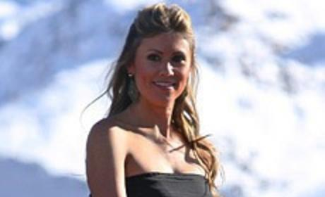 The Bachelor Finale Dresses: Lindzi Cox & Courtney Robertson Battle in Black