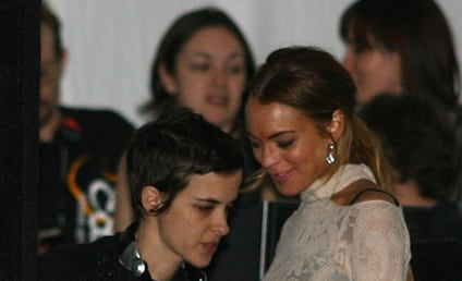 Ogling Alert: Samantha Ronson Eyes Lindsay Lohan, Boobs