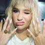 Kesha and her rings