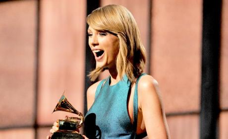 Taylor Swift Wins at the Grammys!