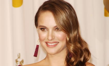 Mike Huckabee Calls Out Natalie Portman for Premarital Pregnancy