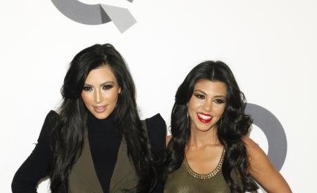 Kourtney Kardashian Tweets Like a Twit: My Baby Moves!