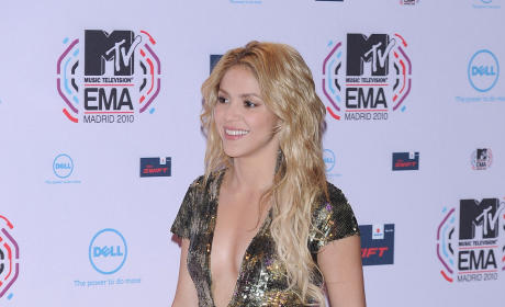 Shakira and Boyfriend Delay Marriage Plans