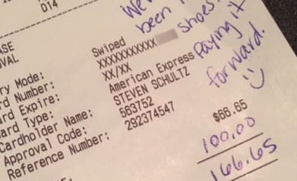 "Couple Leaves Huge Tip For Waiter Despite AWFUL Service, Aims to ""Pay it Forward"""
