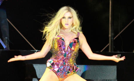 Ke$ha Concert Still