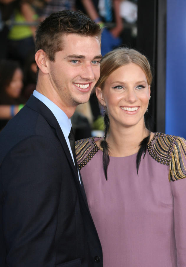 Taylor Hubbell and Heather Morris