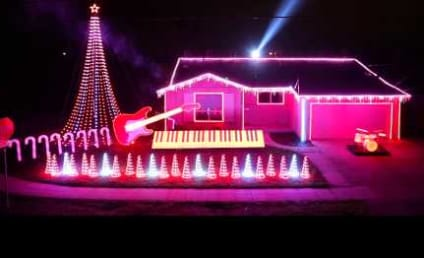 Star Wars Christmas Light Show: So Awesome, Even Neighbors Probably Love It