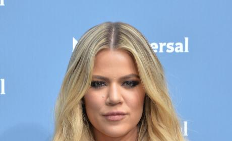 Khloe Kardashian Goes Blonde
