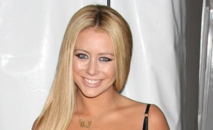 Clash of the Cleavage: Aubrey O'Day vs. Jennifer Love Hewitt
