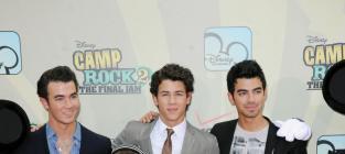 Four Jonas Brothers