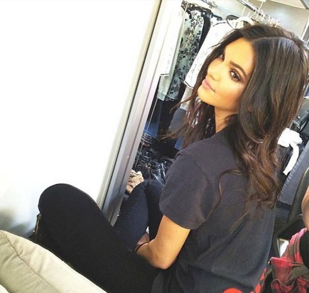 Kendall Jenner Looks Like Kim Kardashian!