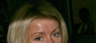 Kelly Ripa: To Make Up or Not Make Up?