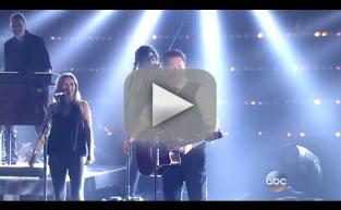 "Blake Shelton Performs ""Gonna"" at 2015 CMAs"