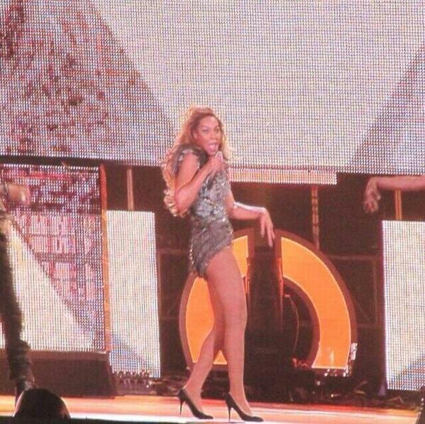Why Does Beyonce Look Like the Grinch?