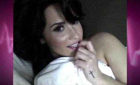 "Demi Lovato Nude Photo Leak: Singer Reponds ""I Am a Fighter"""