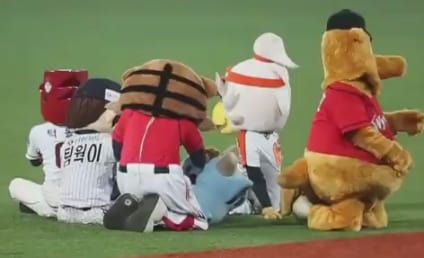 South Korea Baseball Mascots Engage in Dance-Off: Who Won?!?