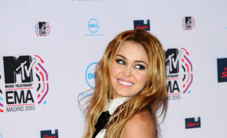 Miley Cyrus to Anchor Supernatural Thriller?