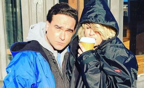 Kaley Cuoco, Johnny Galecki Image