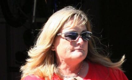 Debbie Rowe Files Lawsuit Over Jackson Custody Rumors