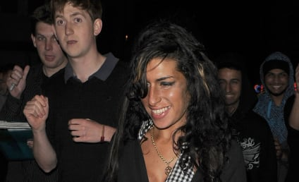 Somebody Put Amy Winehouse on Suicide Watch