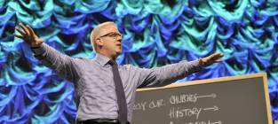 """Glenn Beck Says Family was Harassed in NYC, Preaches to """"Hateful People"""""""
