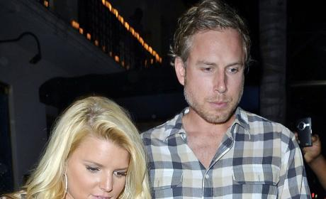 Jessica Simpson: Trying to Fuel Pregnancy Rumor?