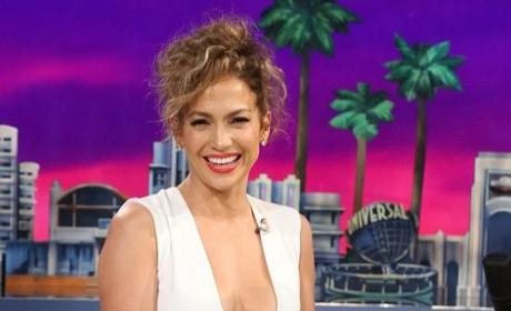 Jennifer Lopez Cleavage Pic